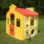Little Tikes Casinha Town Playhouse - 444C