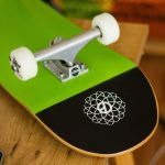 Trendout Conjunto Skate Green Life 8'' Completo + Oferta Hoodie Dimension + Máscara