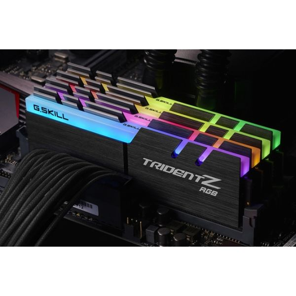 Memória RAM G.Skill 32GB Trident Z RGB (4x 8GB) DDR4 2400MHz PC4-19200 CL15 - F4-2400C15Q-32GTZR